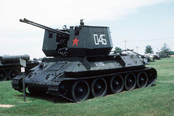北朝鮮の旧式戦車