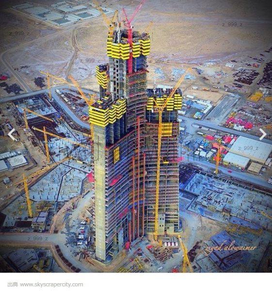 建設途中のジッダ・タワー