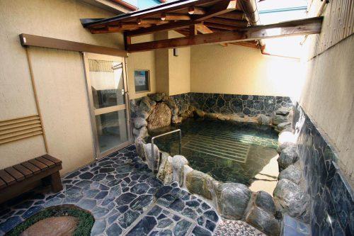 中延温泉 松の湯 露天風呂